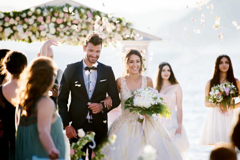 ELISABETH & NIKOLAS <br> Ονειρικός γάμος στο O'mega Yacht Club