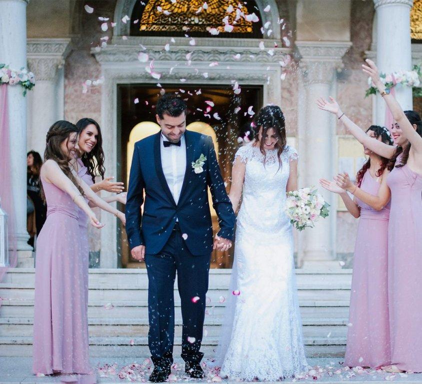 ΒΑΣΙΛΗΣ & ΠΗΝΕΛΟΠΗ<br>Κομψός καλοκαιρινός γάμος στον Αγ. Ανδρέα με next day στο Costa Navarino